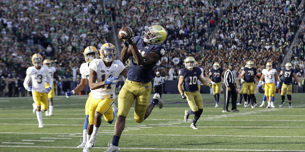 No. 5 Notre Dame squeaks by Pitt 19-14