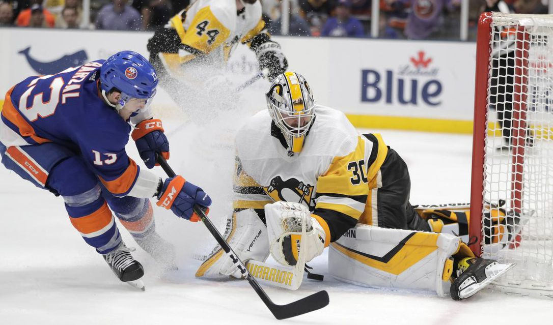 Islanders top Pens 3-1, taking 2-0 series lead to Pittsburgh