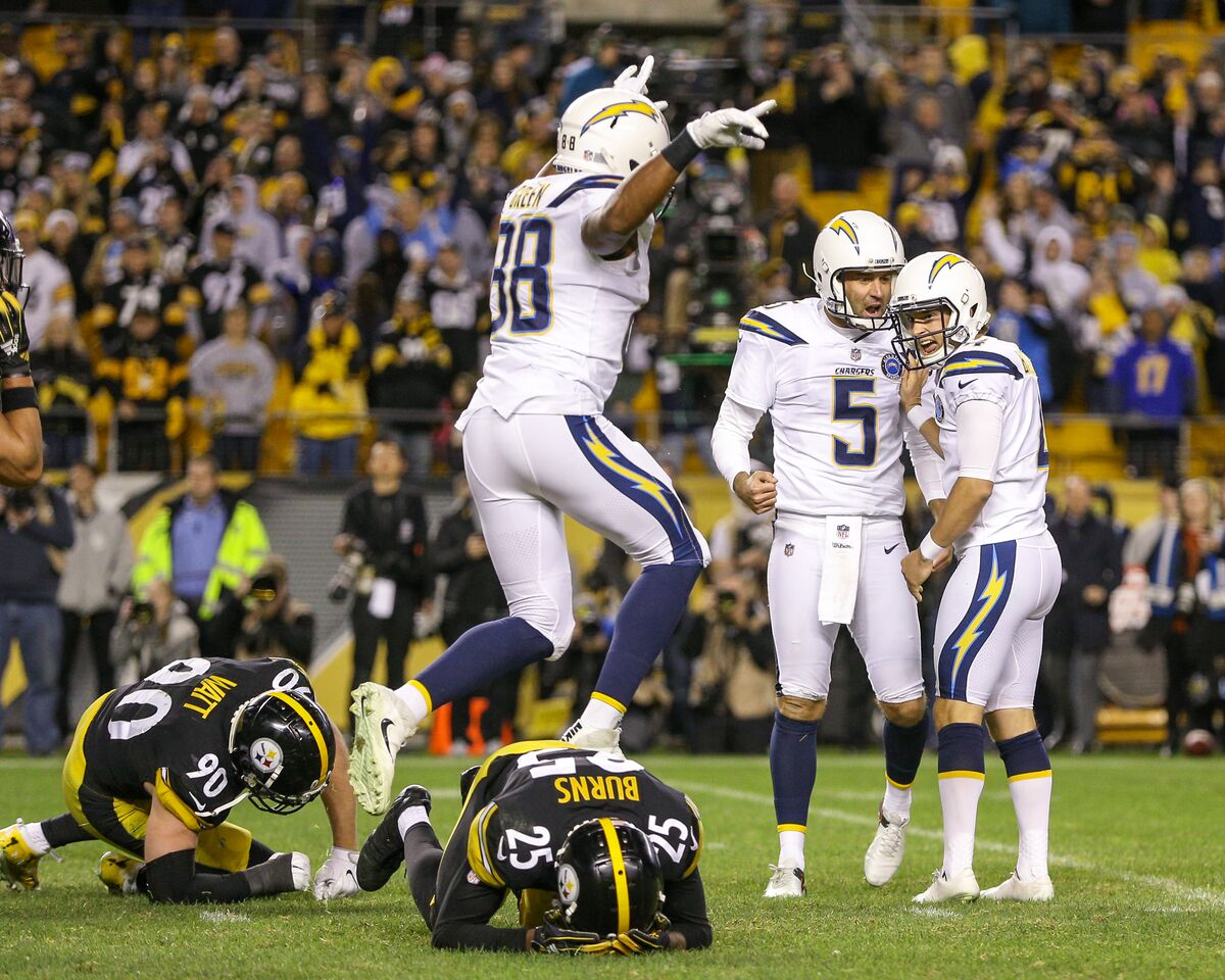 Chargers rally in second half to knock off Steelers 33-30